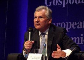 Kwaśniewski: środowisko LGBT musi zdać sobie sprawę, że żyjemy w konserwatywnym społeczeństwie
