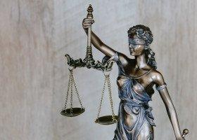 Stowarzyszenie sędziów Iustitia potępia ataki na osoby LGBT