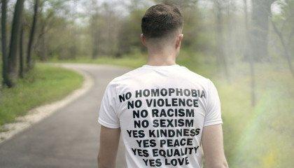 """Tolerado przegrało sprawę przeciwko """"homofobusom"""" fundacji Pro - Prawo do Życia. Będzie odwołanie"""