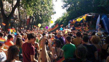 """""""Cofnęli się w kwestii praw społeczności LGBT do średniowiecza"""". Europosłanka o sytuacji na Węgrzech"""
