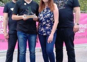 """CSD Berlin Pride przyznał nagrodę twórcom """"Atlasu Nienawiści"""" za ich działalność aktywistyczną"""
