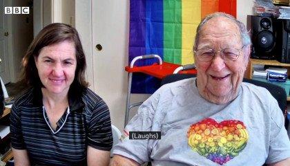 """""""Jestem gejem i jestem wolny!"""". Dziewięćdziesięciolatek ujawnia się"""