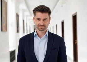 Krzysztof Śmiszek: Lewica roześle samorządom projekt uchwały, afirmującej prawa człowieka i niedyskryminację
