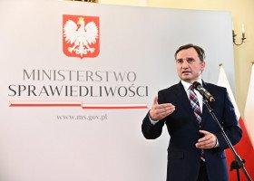 Ziobro: polskie władze nie prześladują osób LGBT. Byłbym pierwszym, który by się temu sprzeciwił!