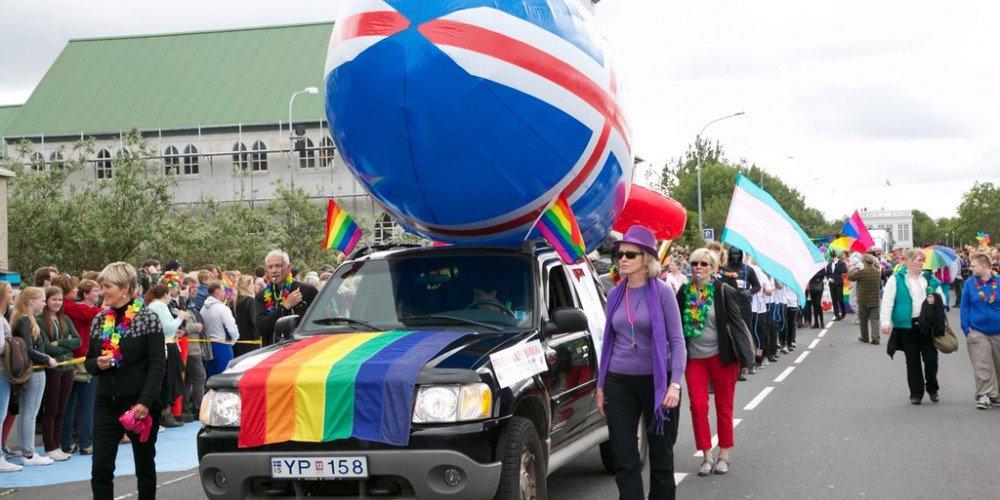 Eksport polskiej homofobii na północ. Sekretarka ambasady w Reykjaviku skarży się na warunki pracy