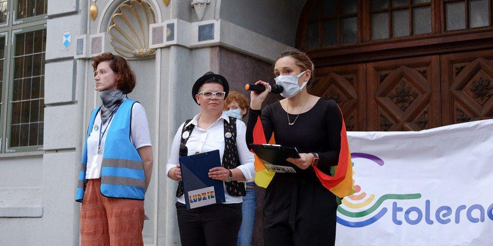 """Jestem LGBT - gdański wiec solidarnościowy. """"Miłość jest tylko dobra"""""""