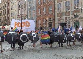 """""""Stop syfiilzacji Polski"""". Skrajna prawica kontra reszta świata: sobotnie demonstracje w Gdańsku"""