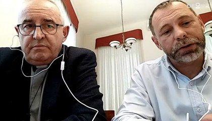Bp Jarecki: teologia, która nie uwzględnia wyników nauki, sama łatwo staje się ideologią