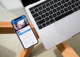 Facebook wprowadza tęczowe naklejki, ale nie w Polsce... bo to niebezpieczne