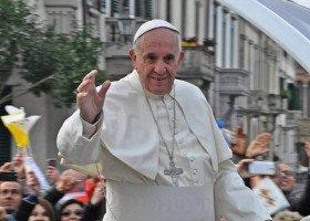 Czy papież popiera jednopłciowe związki partnerskie? Prawicowe media twierdzą, że jego słowa zostały źle przetłumaczone