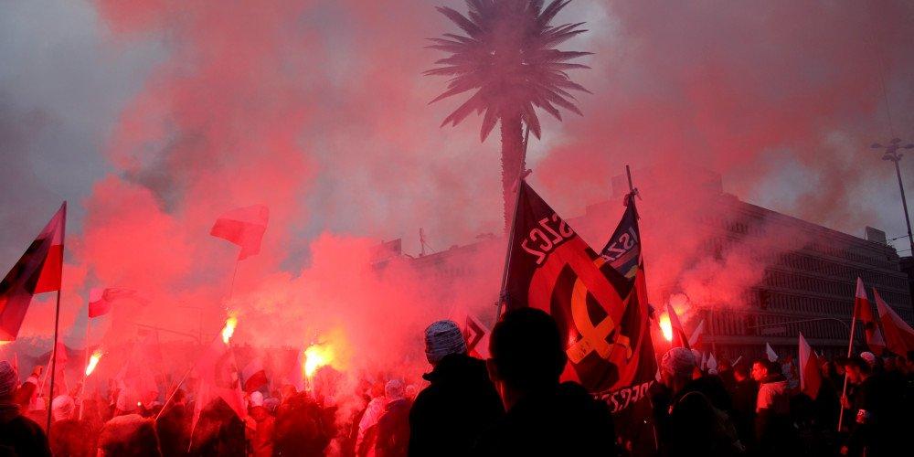 """""""Nasza cywilizacja, nasze zasady"""" - na plakacie Marszu Niepodległości husarz morduje tęczową gwiazdę"""