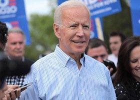 Zacięty wyścig o Biały Dom w USA. Jakie poglądy w kwestii praw osób LGBT ma Joe Biden?