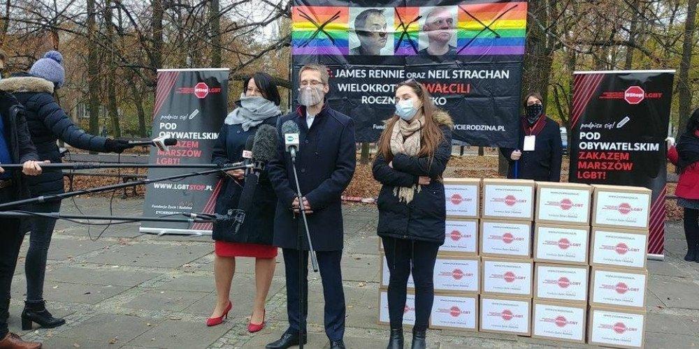 """Fundacja Kai Godek pozwała twórców Atlasu Nienawiści za listę parafii, popierających projekt """"Stop LGBT""""'"""