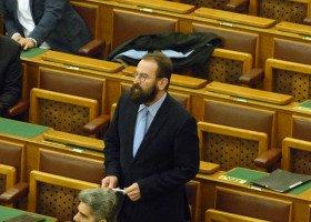 Szczyt hipokryzji. Węgierski europoseł przyłapany na gejowskiej seksimprezie, wcześniej prowadził nagonkę na osoby LGBT