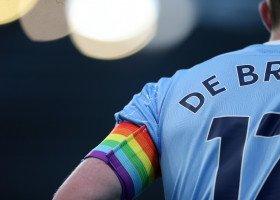 Piłka nożna a wsparcie LGBT i kobiet. Czy Ekstraklasa pójdzie kiedyś za przykładem ligi angielskiej czy włoskiej?
