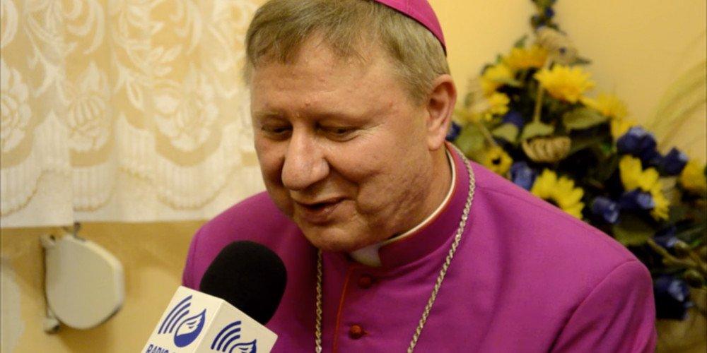Gdański biskup: LGBT i Strajk Kobiet to komunistyczna ideologia bezwstydu, szerząca nienawiść wobec życia