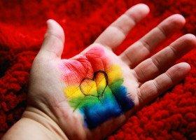 """Powstała """"Deklaracja solidarności z osobami LGBT+"""". Czy ma szansę zostać przyjęta w woj. lubuskim?"""
