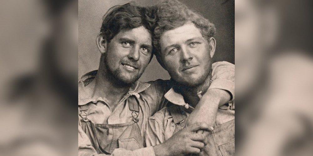Historia zakochanych mężczyzn w fotografiach - niezwykły album o gejowskiej miłości