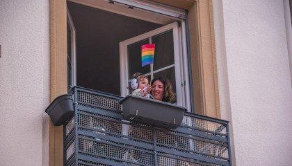 Czechy zakazują adopcji dzieci przez jednopłciowe pary zarejestrowane za granicą