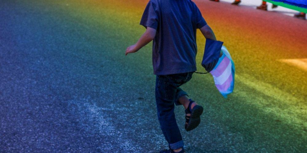 """Amerykańskie Towarzystwo Psychologiczne sprzeciwia się """"terapii"""" konwersyjnej osób transpłciowych"""