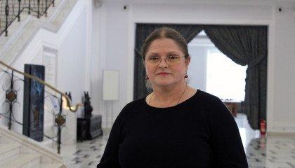 Pawłowicz oburzona dyrektorką szkoły, która zezwoliła na zwracanie się do transpłciowej dziewczynki jej imieniem
