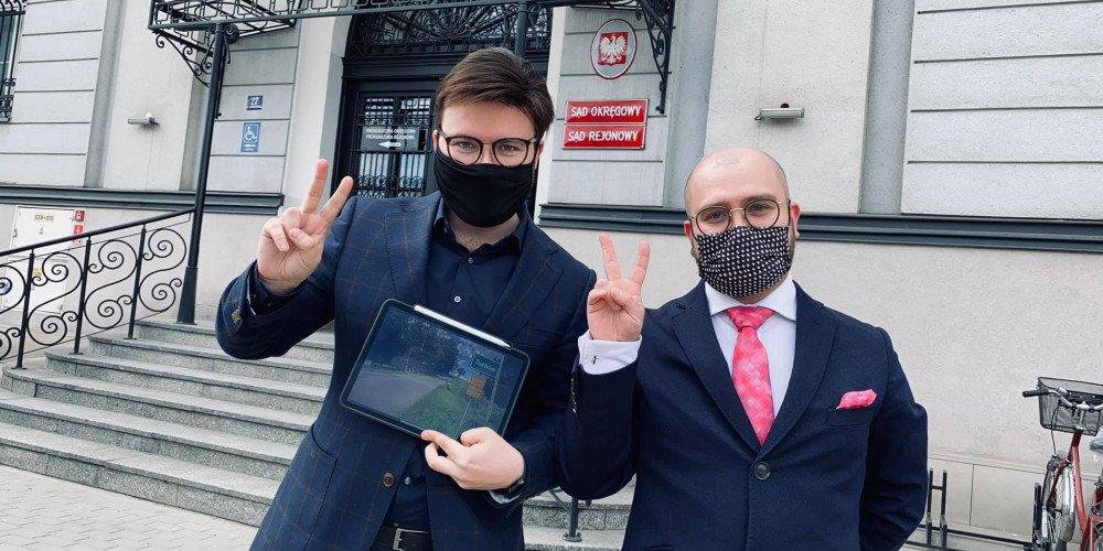 Kolejny Sąd uniewinnia Bartosza Staszewskiego. Happening z tablicami zgodny z prawem