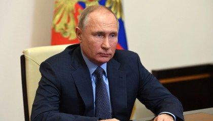 Putin formalnie zakazuje małżeństw jednopłciowych w Rosji w poprawce do konstytucji