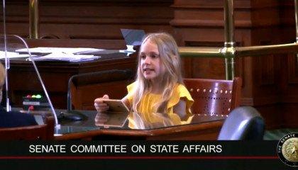 """Transpłciowa 10-latka poucza teksańskich polityków, debatujących nad transfobiczną uchwałą. """"Znęcanie się jest złe"""""""