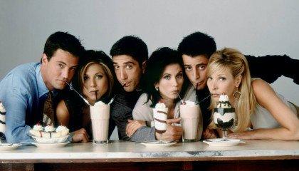 """Co by było, gdyby Chandler z """"Przyjaciół"""" był gejem? Scenarzyści przyznali, że mieli taki pomysł"""