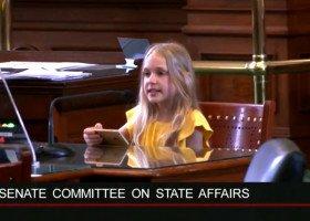 10-latka sprzeciwiająca się transfobicznemu prawu w Teksasie otrzymuje groźby śmierci