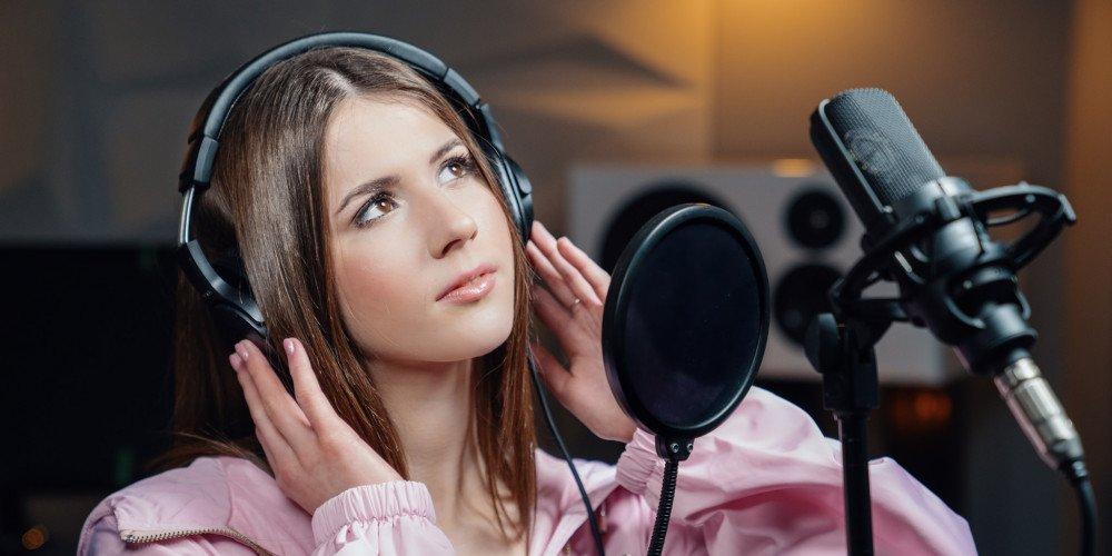 """TVP zamierza ocenzurować tęczowy makijaż Roksany Węgiel w programie """"Dance Dance Dance"""""""