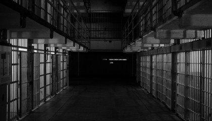 Kamerun: sąd skazał na 5 lat więzienia 2 transpłciowe kobiety za noszenie damskich ubrań w restauracji