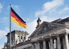 Niemcy zagłosowali za przyznaniem rekompensaty żołnierzom LGBT za dyskryminację w przeszłości
