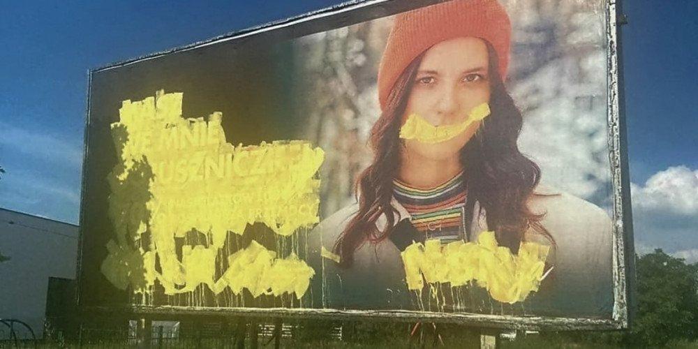 Billboard wspierający osoby LGBT+ w Świdnicy zniszczony - to kolejny taki incydent na Śląsku