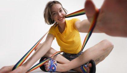 W Converse duma nie kończy się nigdy. Jak marka wspiera osoby LGBTQIA+ na całym świecie?