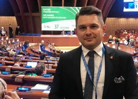"""Rada Europy podjęła rezolucję wobec polskich stref """"wolnych od LGBT"""""""