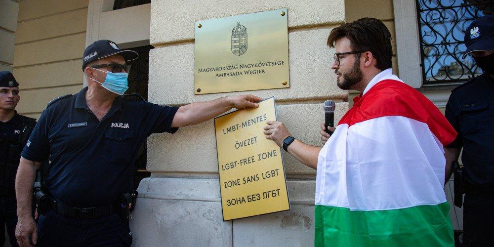 """""""Jeżeli Unia nie zareaguje, my będziemy następni!"""" - Bart Staszewski o wyjeździe do Budapesztu i starciu z policją"""