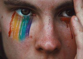 Wicedyrektorka podstawówki mówiła, że LGBT to chorzy ludzie. Otrzymała nagrodę od wójtki gminy