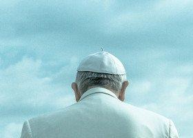 Papież Franciszek zaprosił osoby transpłciowe do Watykanu - pomógł im zaszczepić się na COVID-19