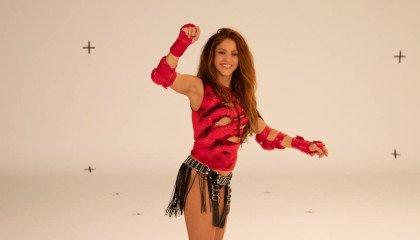 Shakira zmieniła swoje zdjęcia profilowe w mediach społecznościowych na kolory flagi lesbijskiej. Fani komentują