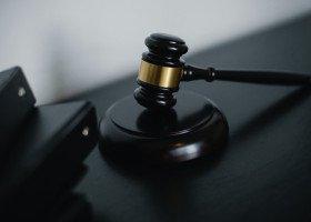Program Ochrony Prawnej KPH - bezpłatne wsparcie dla osób LGBT+ walczących z dyskryminacją i homofobią
