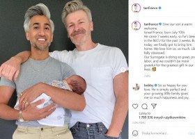 """Tan France z Queer Eye został ojcem - """"Nasza surogatka czuje się świetnie"""""""
