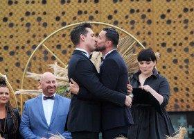 Wiceminister sprawiedliwości o ślubie dwóch lekarzy: może należałoby też ukrócić takie błazeństwa