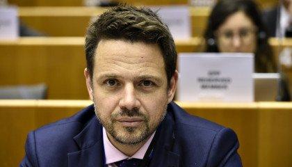 Rafał Trzaskowski u Moniki Olejnik obiecuje: związki partnerskie natychmiast