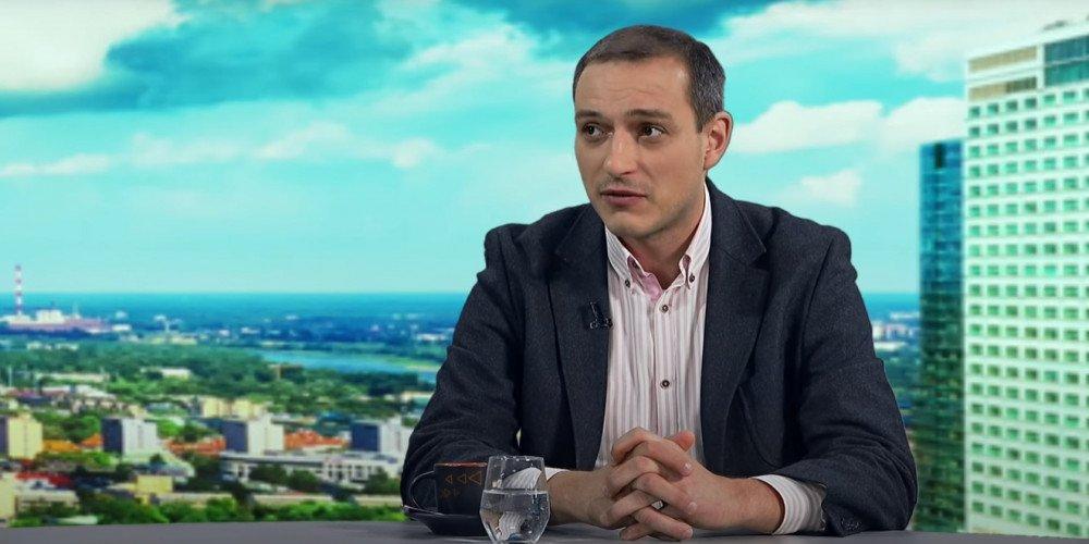Tomasz Krawczyk, wyoutowany gej, były doradca PiS, poucza Barta Staszewskiego w sprawie rzecznika MSZ