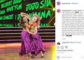 Taniec z gwiazdami a wsparcie LGBT: JoJo Siwa tańczy z kobietą, a co się dzieje w polskiej edycji?