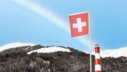 Historyczny moment! Szwajcaria legalizuje małżeństwa jednopłciowe razem z adopcją dzieci