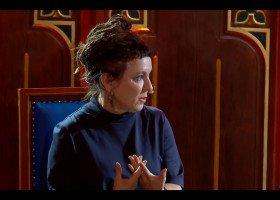 O dwupłciowości i propagandzie w mediach - Olga Tokarczuk na spotkaniu z osobami studiującymi
