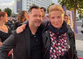 """W Polsce trudno o ujawnionych aktorów i aktorki LGBTQ+ - O filmie """"Hiacynt"""" rozmawiamy z Marcinem Ciastoniem i Joanną Szymańską"""