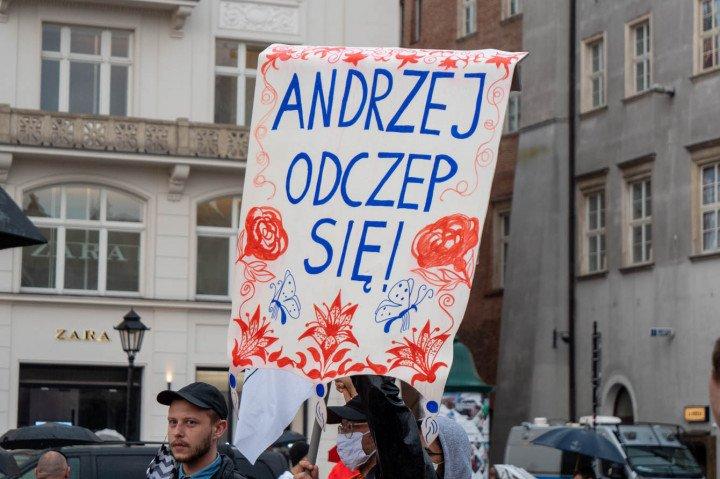 Manifestacja przeciwko Karcie Rodzin, Kraków - zdjęcie: 8/20